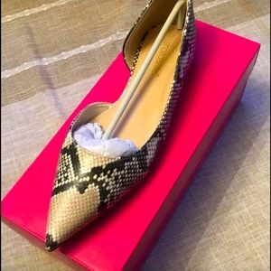Faux Snakeskin flats size 8 NWT